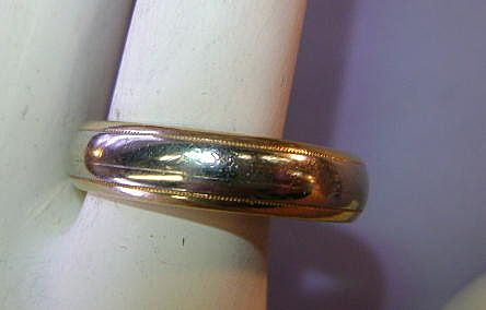VINTAGE Man's Keepsake White Gold Ridged with Yellow Gold  Size 10 3/4