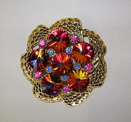 VINTAGE Rivoli Brooch Perfect for Valentines Day