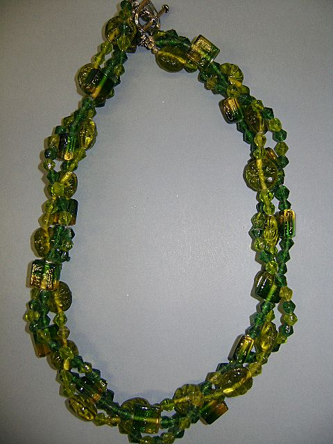 VINTAGE Green Glass Twist Necklace 16 inch Heart Toggle