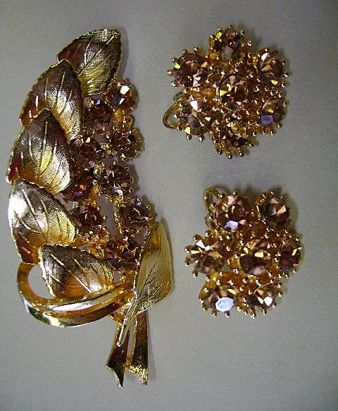VINTAGE Golden Rhinestone Brooch and Earrings