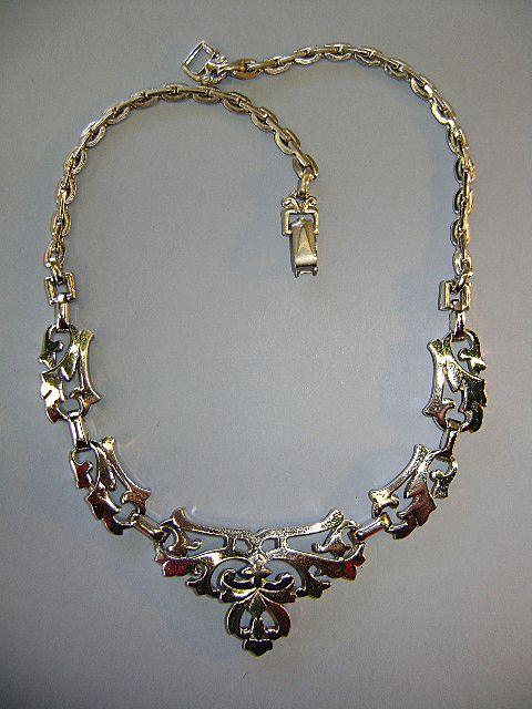 VINTAGE Barclay Silver-tone Necklace Unusual