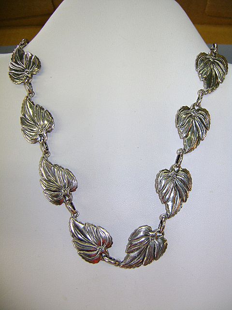 VINTAGE Danescraft Sterling Leaves Necklace  Classic