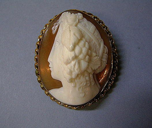 VINTAGE Roman Matron Shell Cameo  Very High Profile Unusual