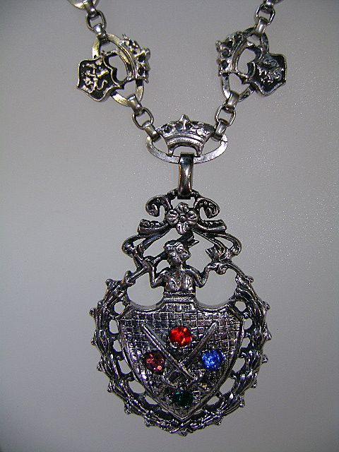 Vintage LONGCRAFT Medallion Necklace in Silver-tone