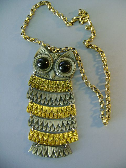 VINTAGE 50'S Segmented Owl Unsigned Beauty!