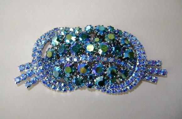 VINTAGE Bright Blue and Blue Bow Brooch  Beautiful!