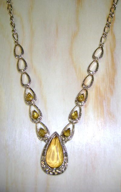 VINTAGE Faceted Golden Crystal Tears  Necklace