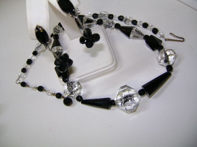VINTAGE Black Necklace with Special Bead  Black Glass Earring Dangle