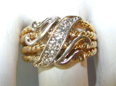 VINTAGE 10K Gold Pretty Band with 5 Diamonds  70's  Size 5 1/2