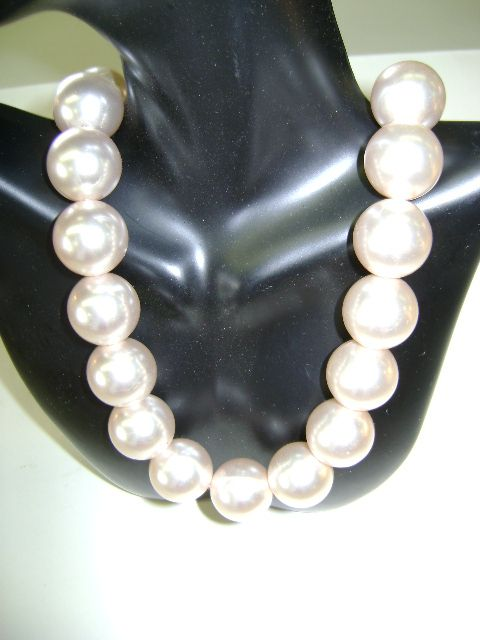 VINTAGE Lush, Large, Lavish Beautiful Faux Pearls