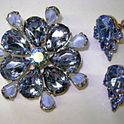 VINTAGE  Bright Blue Brooch and Earring  Pretty Sky