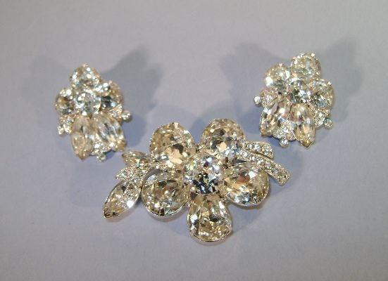 VINTAGE Eisenburg Ice Clear and Sparking Rhinestone Brooch and Earrings