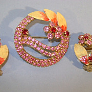 VINTAGE Hot Pink and Ruby red Brooch and Clip Earrings  Unsigned beauty
