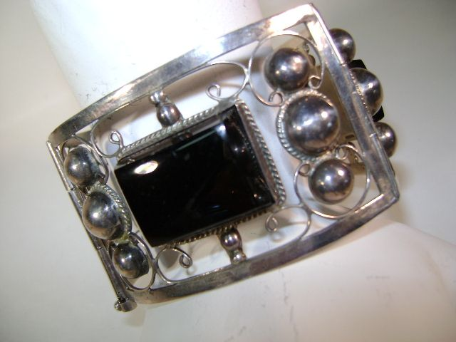 VINTAGE Mexican Sterling With Onyx  Signed LC 925