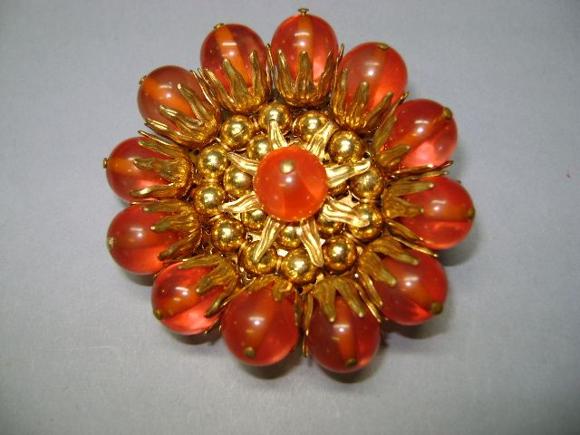 VINTAGE Old Brooch Tested Bakelite