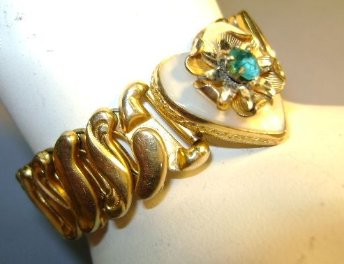 VINTAGE 40'S Sweet-Heart Expansion Bracelet with Mother of Pearl Heart