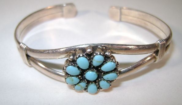 VINTAGE  Indian-made Turquoise bracelet Nice Size
