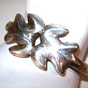 VINTAGE Silver-Cast Small Bracelet Very Plain but secure.