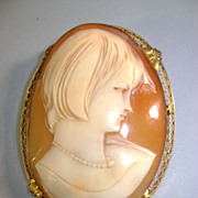 VINTAGE Huge Lovely Shell Cameo 20's Hair-do Hand-made in Italy