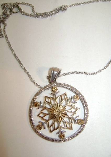 VINTAGE Sterling Gold-Overlay Snowflake on Sterling Chain