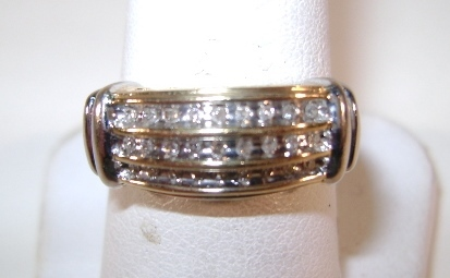 VINTAGE 10K  Diamond Three Band Ring   Size 7