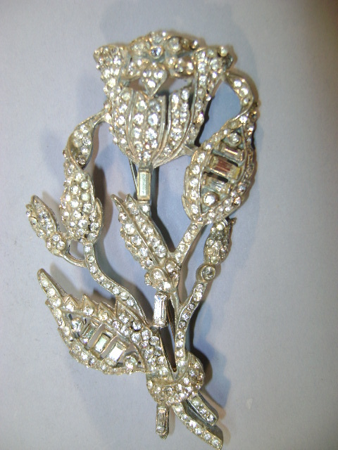 VINTAGE  40'S Beautiful Flower Rhinestone Brooch  Large