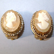 VINTAGE Hand Carved Italy Shell Cameo Clip Earrings