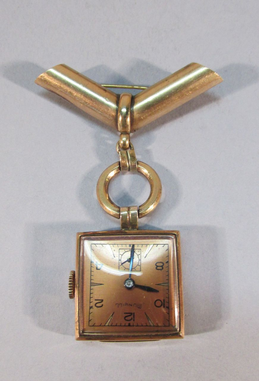 VINTAGE Rose Gold Munwill Lapel Watch  WORKS!