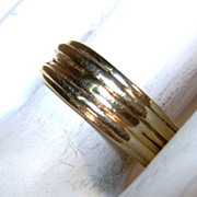 VINTAGE Heavy 14K Ribbed Wedding Band Size  5 3/4