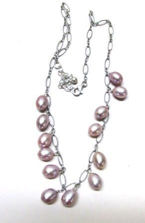 VINTAGE Lavender-Pink Fresh Water Pearls  18 inches