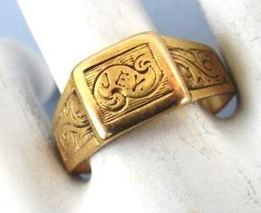 VINTAGE Gold (tested) Frendship Ring J-E-Y  Size 6 1/2