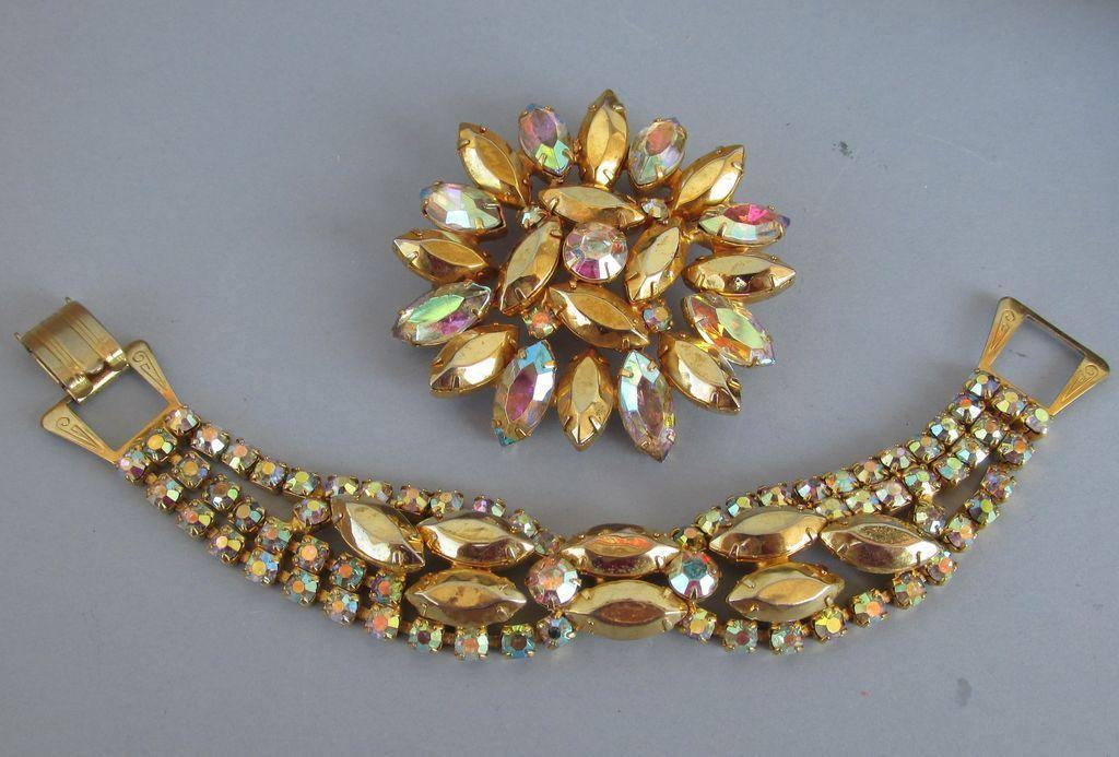 VINTAGE  Unsigned Beauty Bracelet and Brooch Dazzling