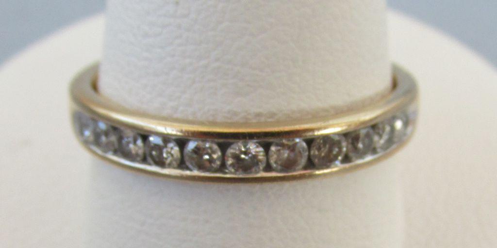 VINTAGE  Anniversary 14K 10 Diamond Ring Beautiful Circle  Size  9