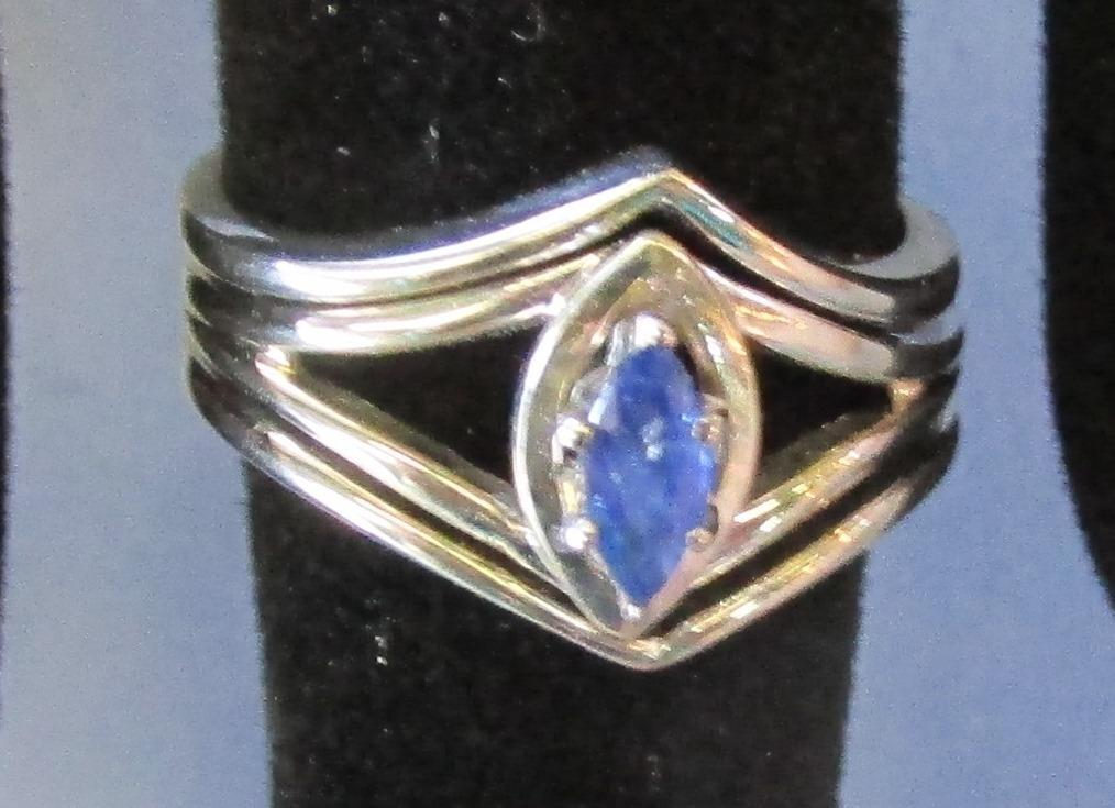 VINTAGE 14K White Gold with Sapphire     Size  4