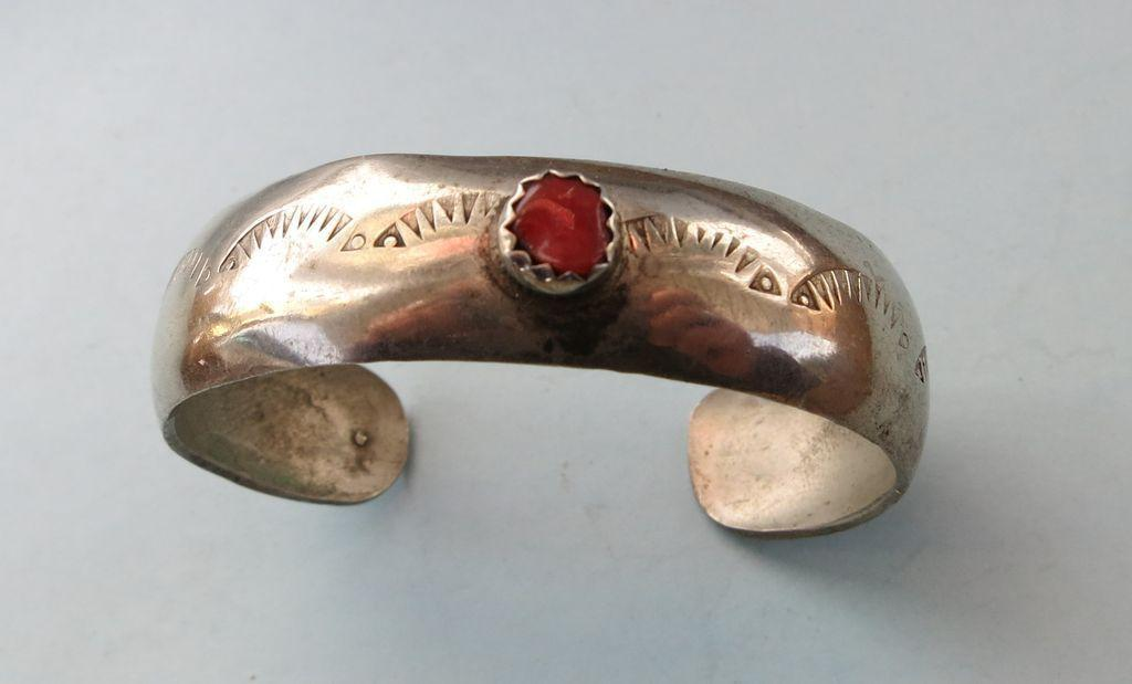 VINTAGE Child's Silver Bracelet Sterling with Coral Setting