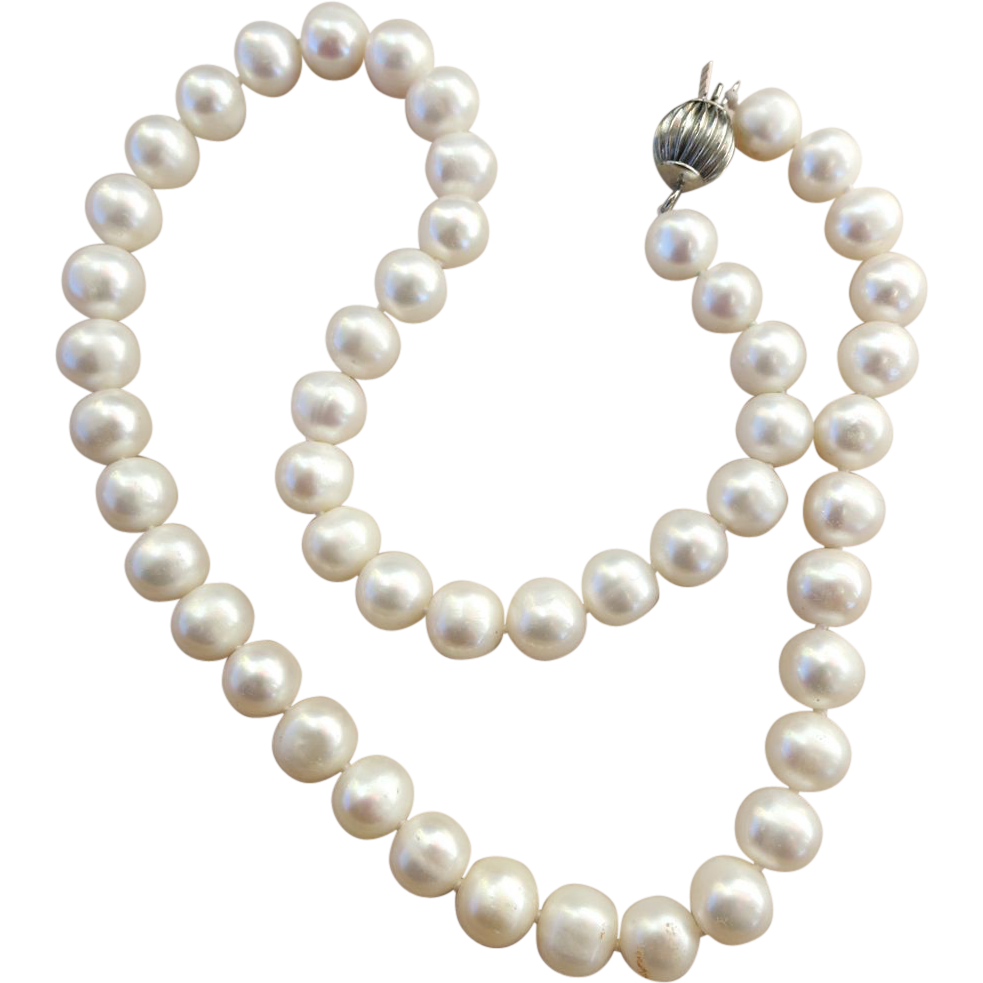VINTAGE 9mm Knotted Cultured Freshwater Pearls  17 1/2
