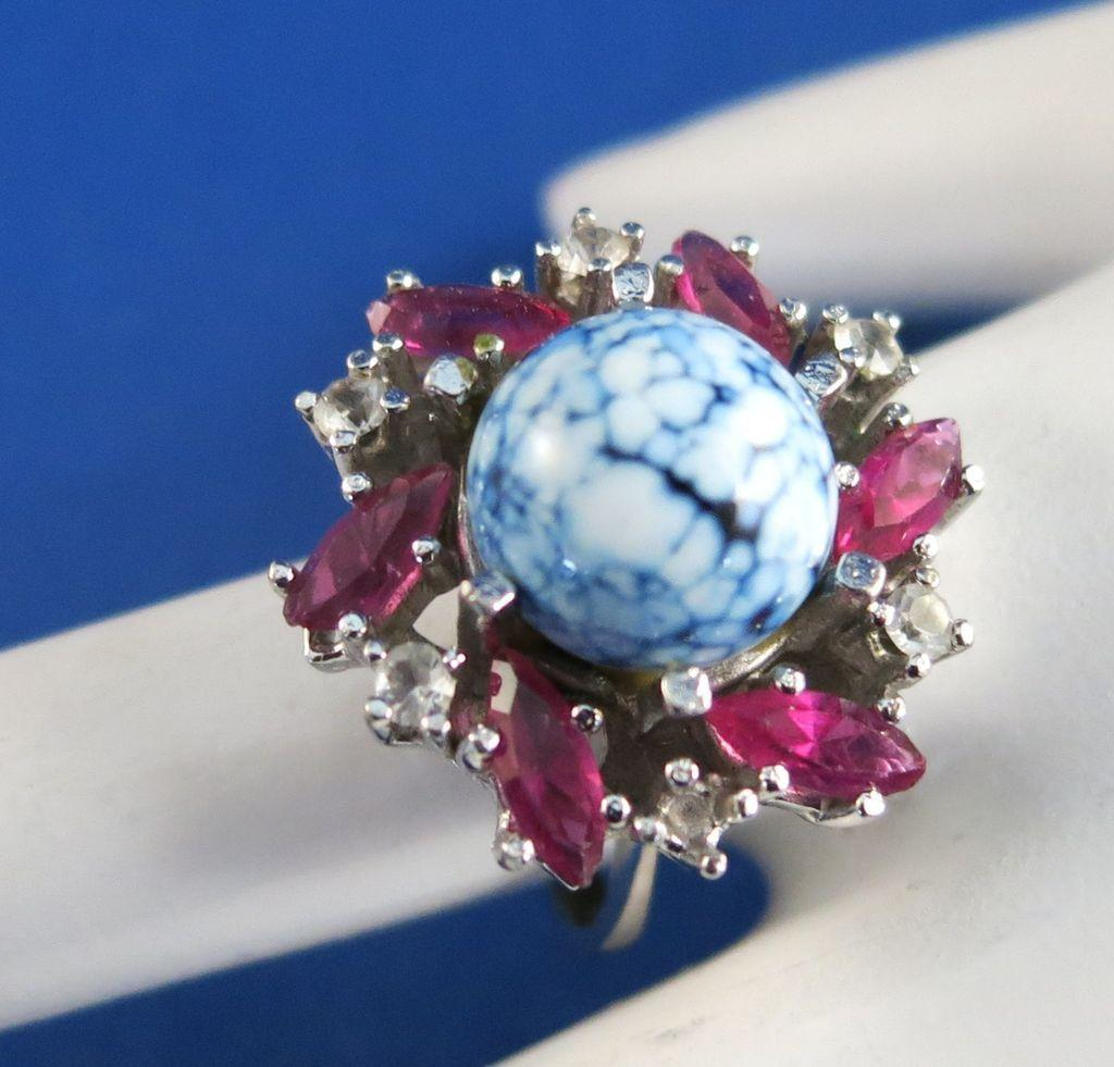 VINTAGE Russian Made Fashion Ring  Beautiful  Signed   Size 6