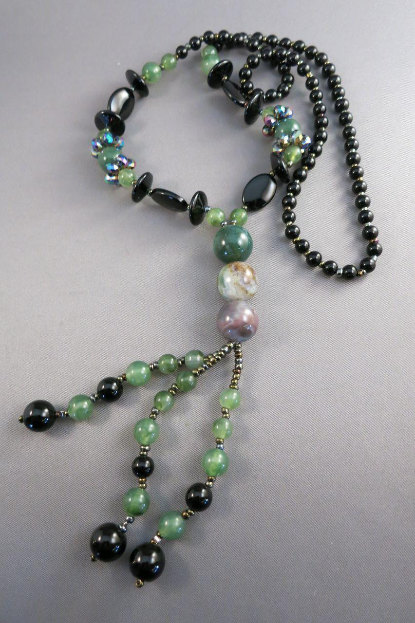 VINTAGE Gem Necklace Beautiful Mostly Jade Pieces and Black Onyx    39 Inches