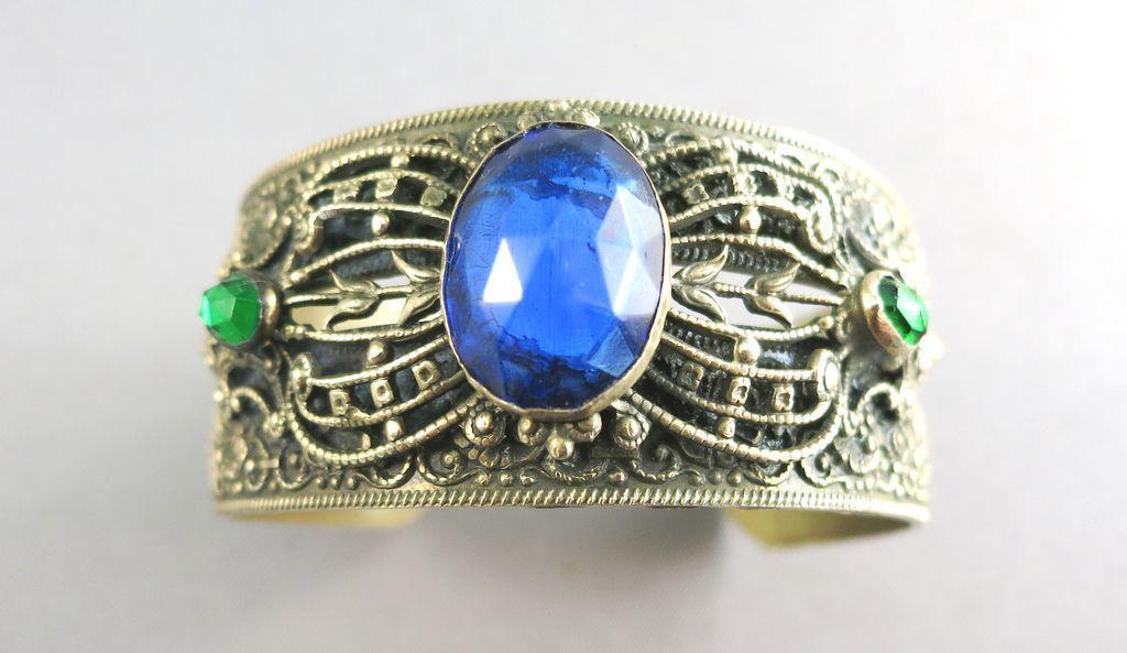 VINTAGE Dark Yellow Bracelet with Three Jewels