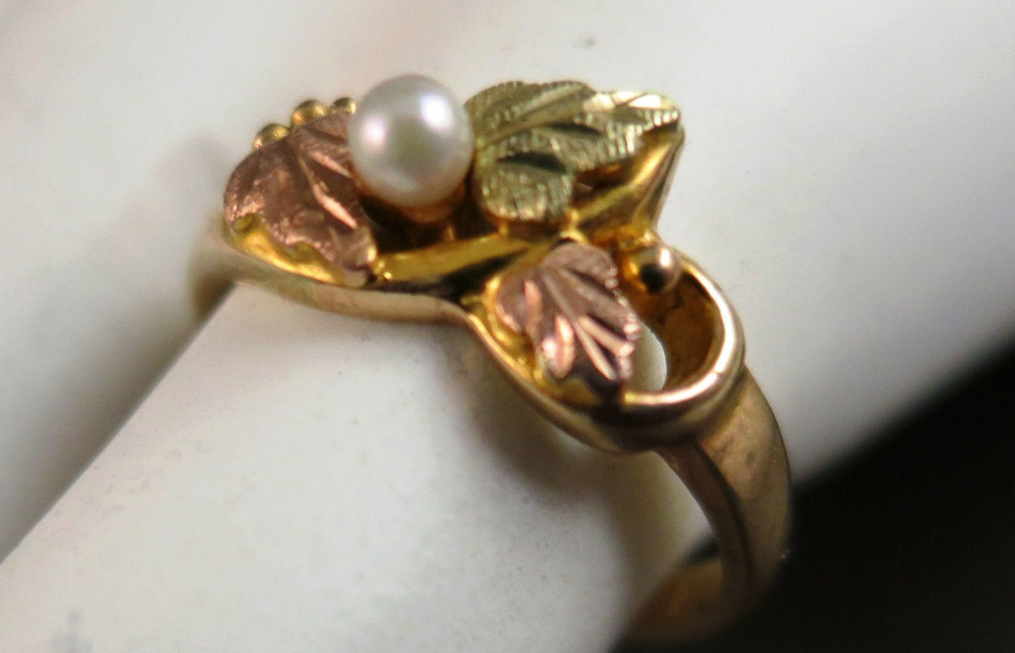 VINTAGE Black Hills Gold 10K  Ring  Size 5 1/4