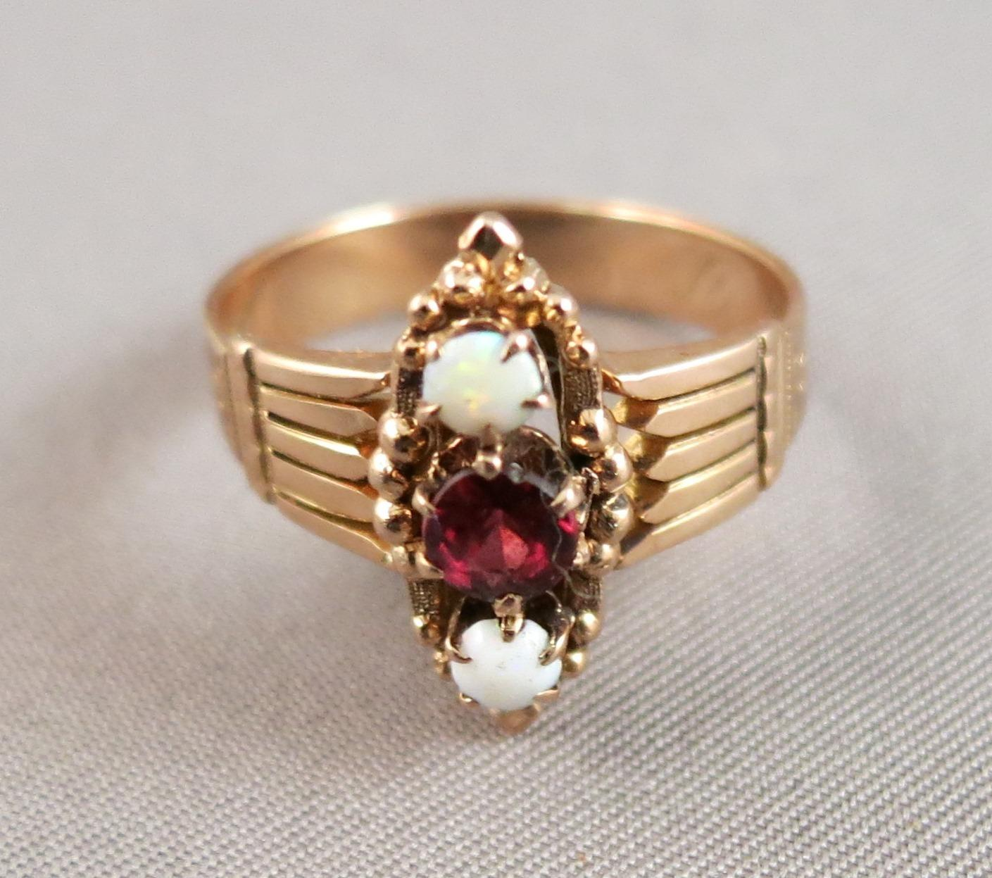 VINTAGE Rose Gold Older Ring With Opals and Garnet  Size 61/2