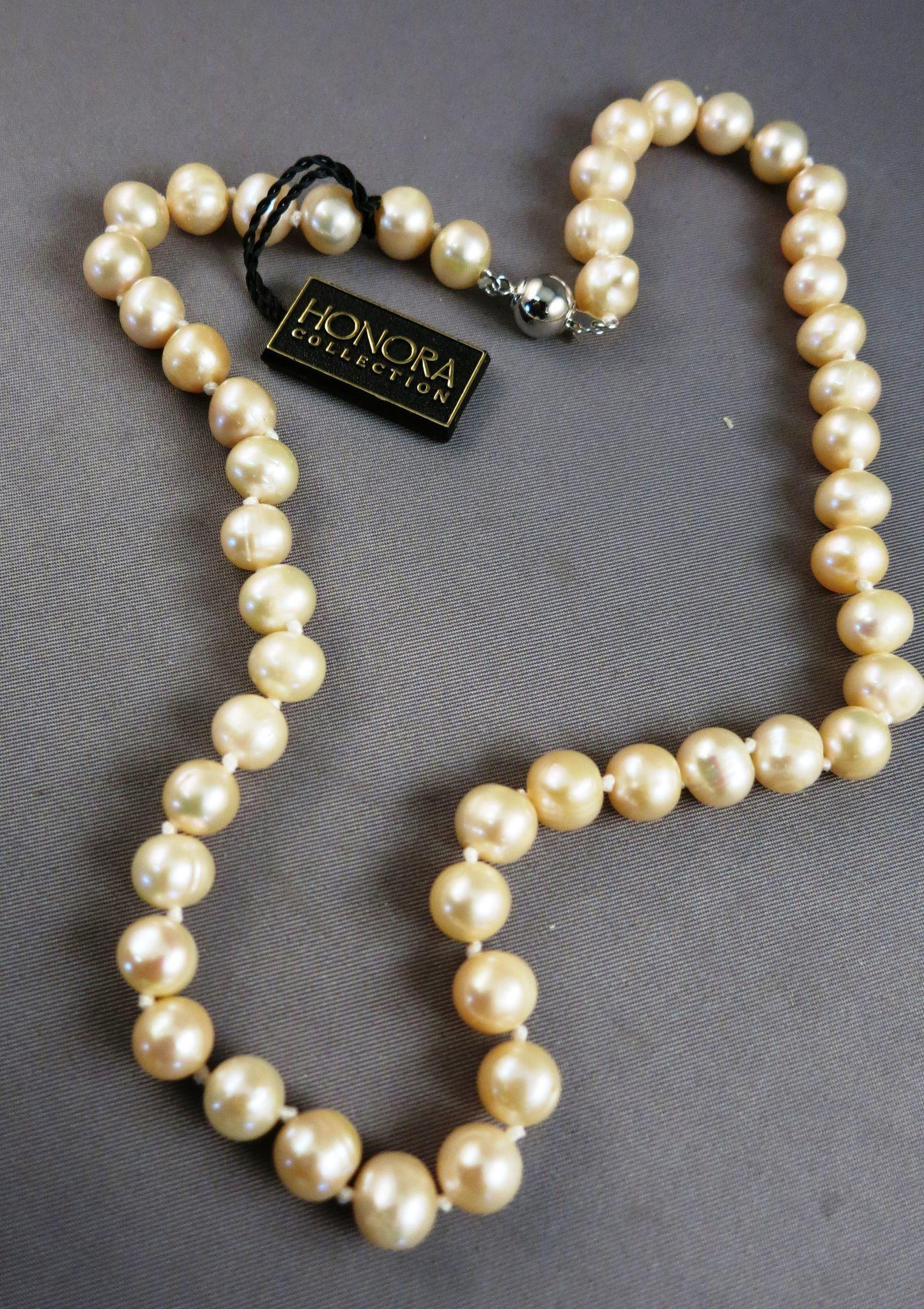 VINTAGE Honora Knotted String of Pinkish Freshwater Pearls  18  Inches