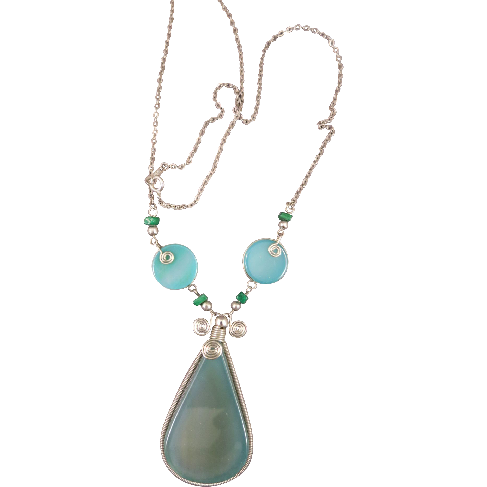 VINTAGE  Sterling Chain With  Brazilian Green Onyx  20 inches with 3 inch drop.