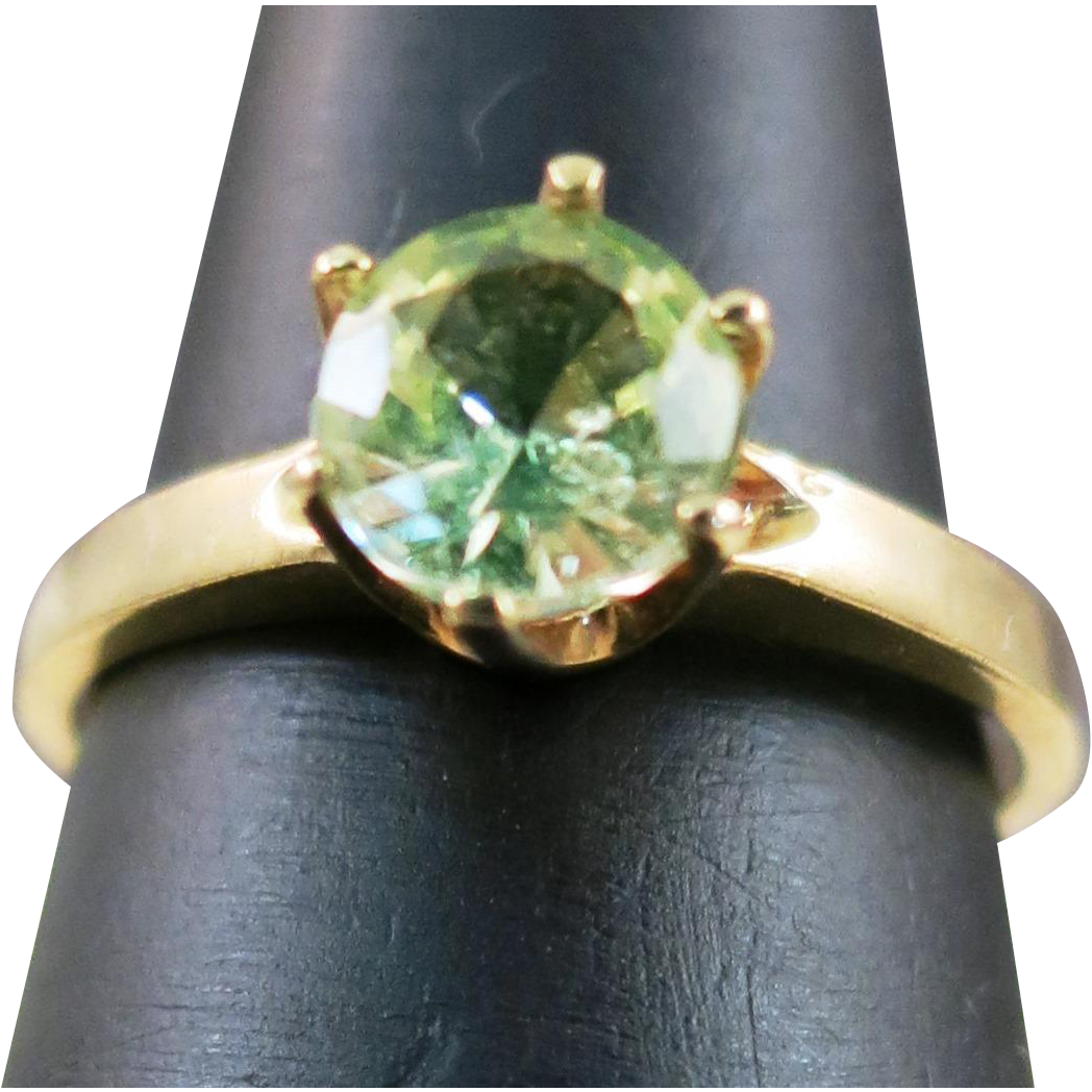 VINTAGE  10k Ice Green Tourmaline Ring in a Six Prong Setting size 5 1/4