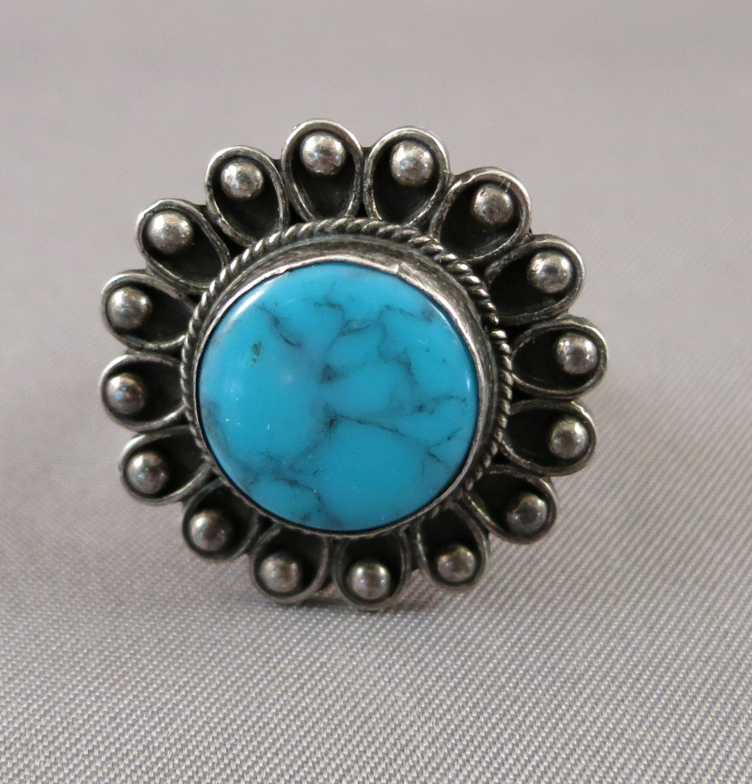 VINTAGE  Sterling Turquoise Ring Flower   Size 6 1/2