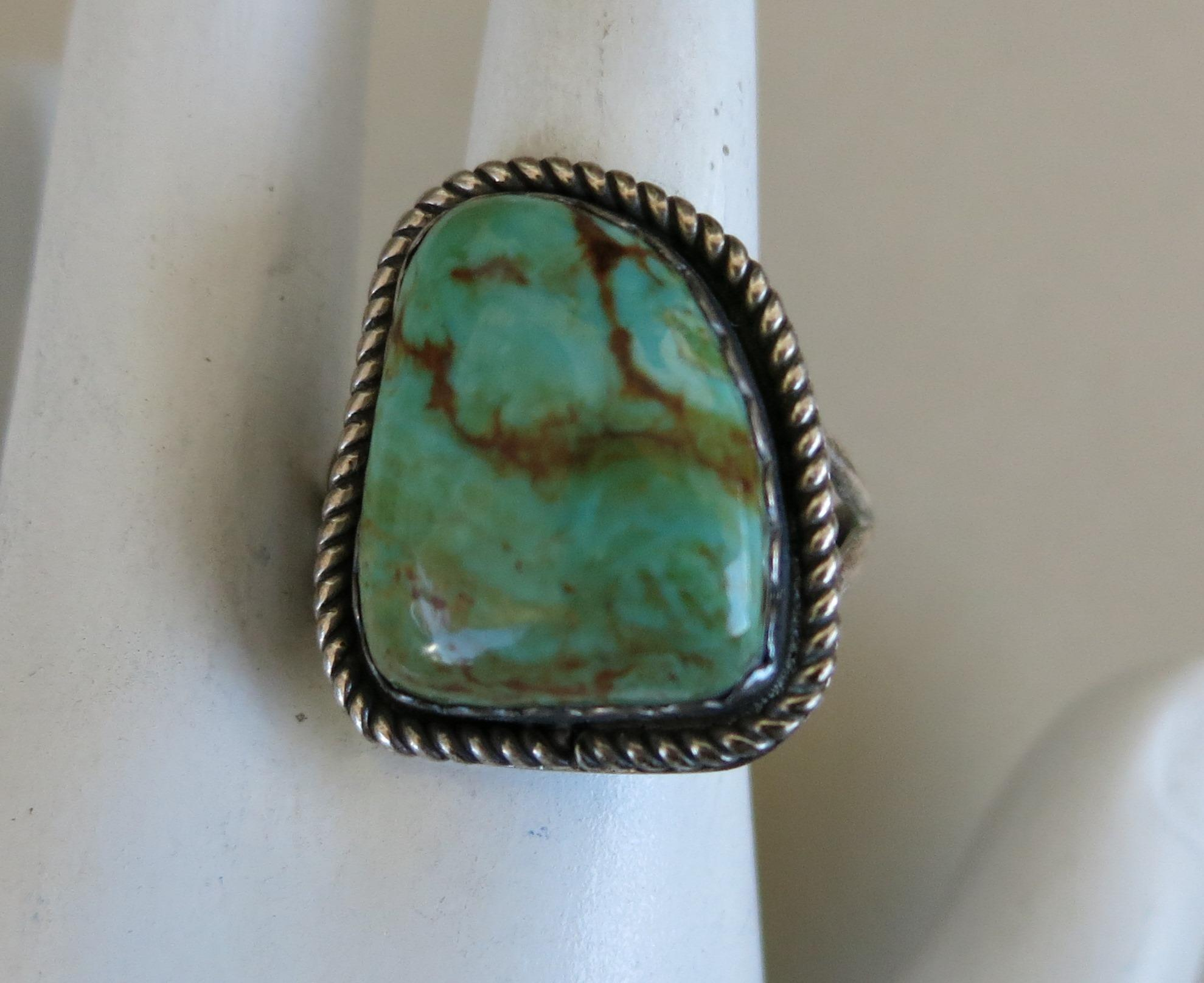 VINTAGE Native American Turquoise Ring Size 9