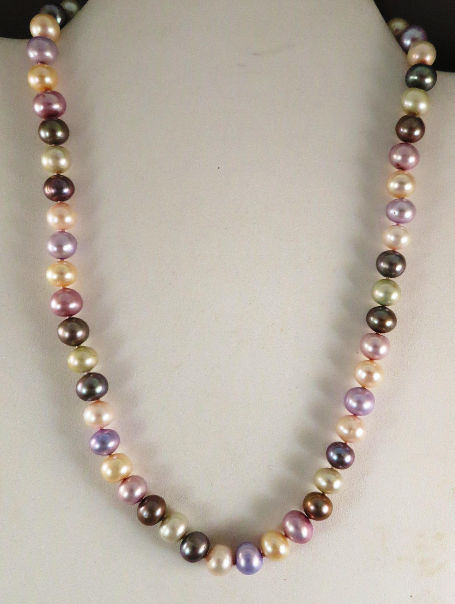 VINTAGE String of Various Color Fresh-water Knotted Pearls   171/2 inches
