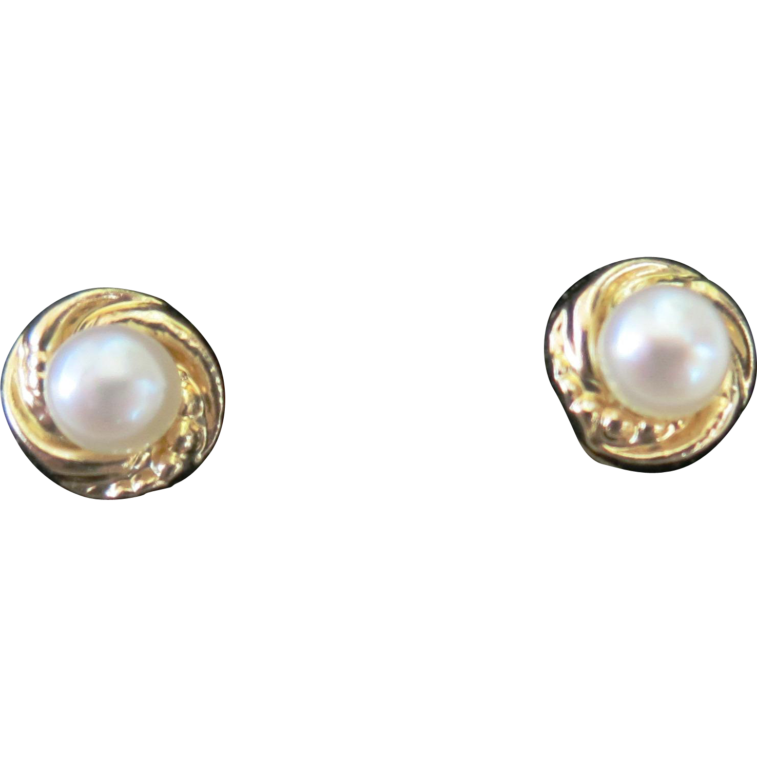 VINTAGE Pearl Earring with  14K gold post