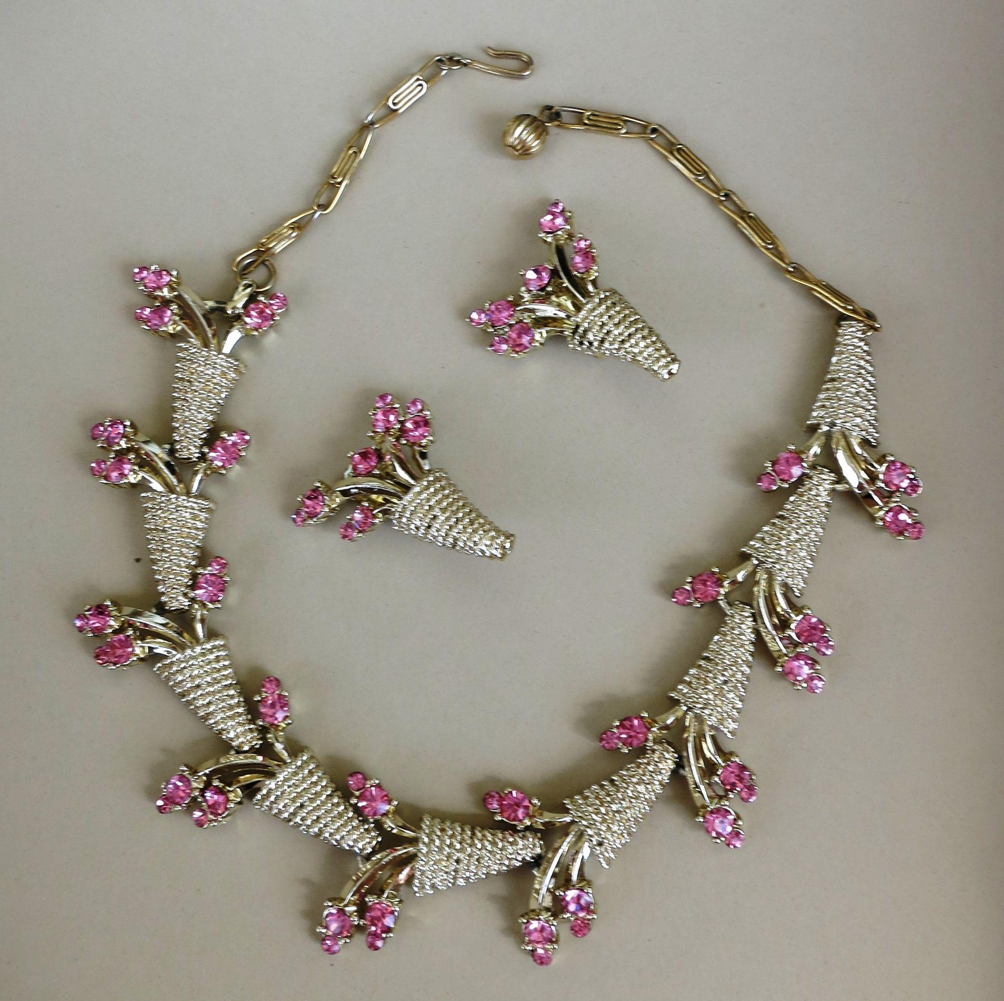 VINTAGE 60'S Unsigned Beauty Rhinestone Set Pink Flowers