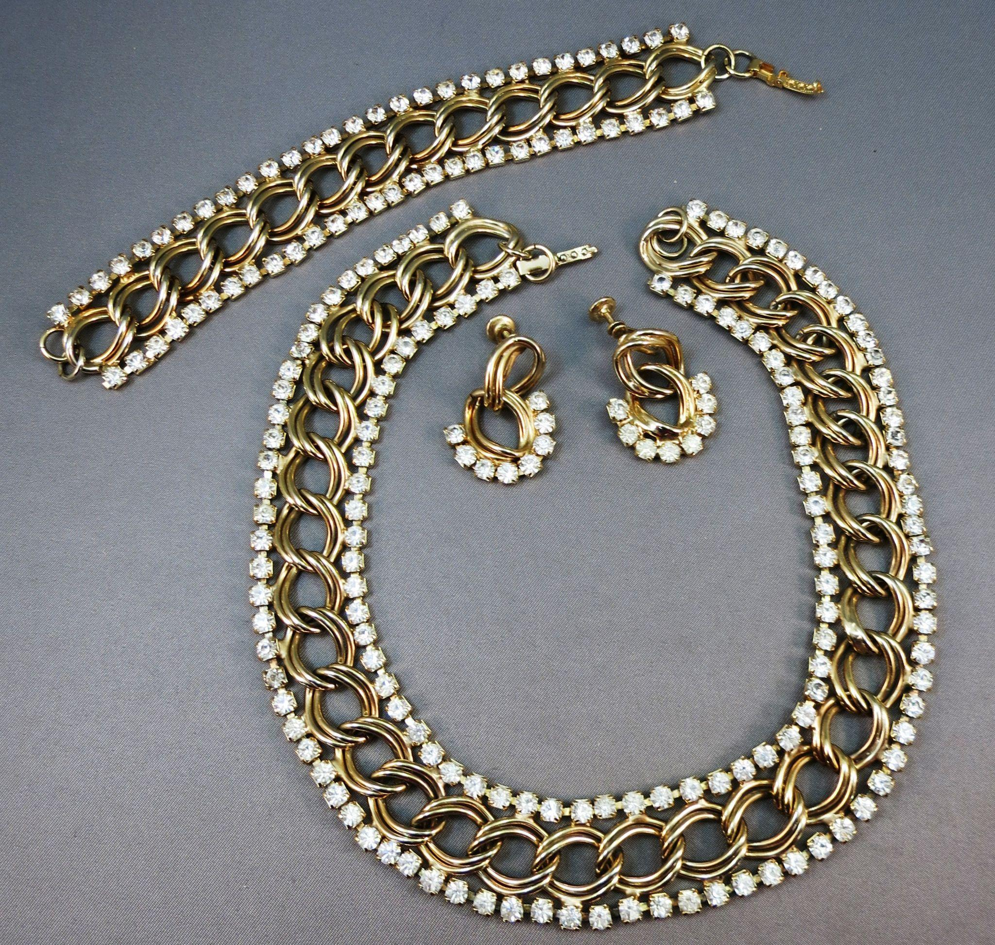 VINTAGE Unsigned Parure Golden Chains and Rhinestones 3 Pieces